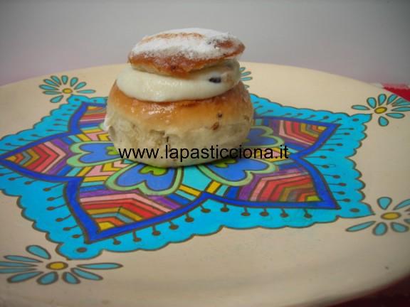 Rasco biscotto di San Martino ripieno di ricotta