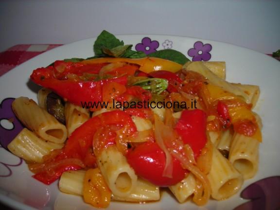 Pasta al sugo di peperoni 1