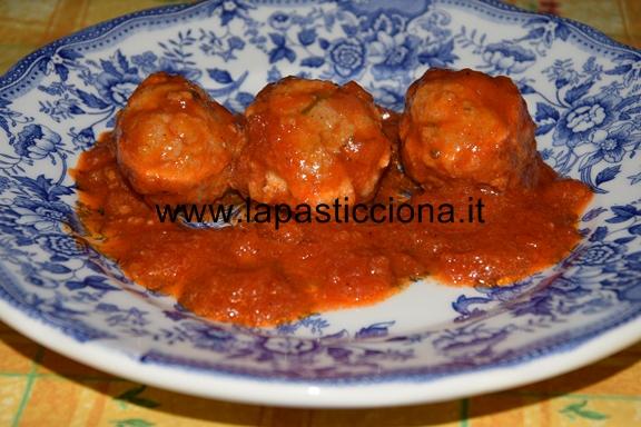 Polpette di salsiccia al sugo di pomodori 9