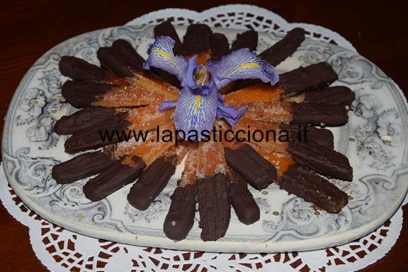 Scorze d'arance candite ricoperte di cioccolato fondente 10