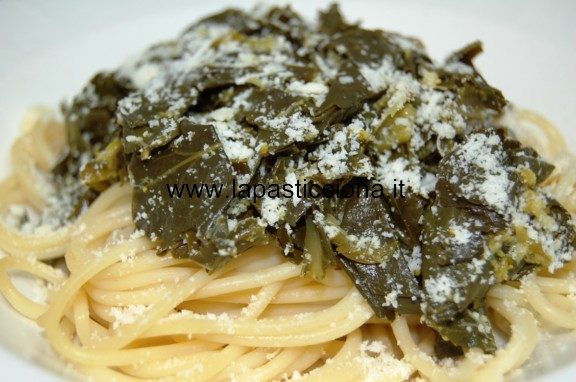 Pasta con gli sparacelli ( broccoletti ) in bianco 9