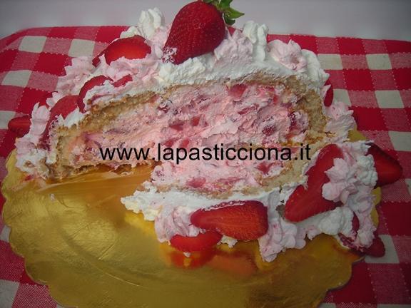 Zuccotto panna e fragole 10