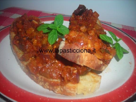Bruschette alla salsa di melanzane