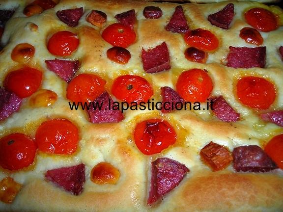 Focaccia con pomodorini 3