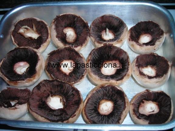 Cappelli di funghi champignon