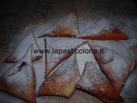 Golosi triangoli con crema di nocciole 9