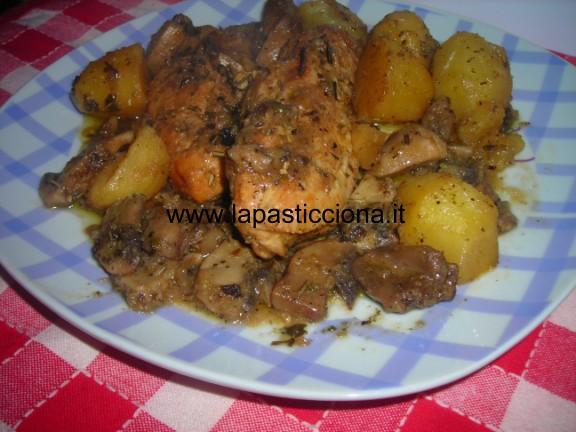 Pollo in padella con patate e funghi 5