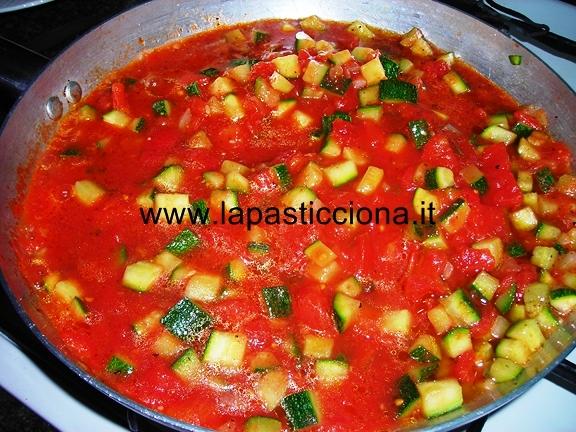 Zucchine con salsa di pomodori