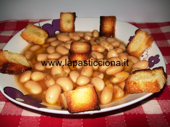 Zuppa ri fasuoli c l'ccia ( fagioli con sedano)