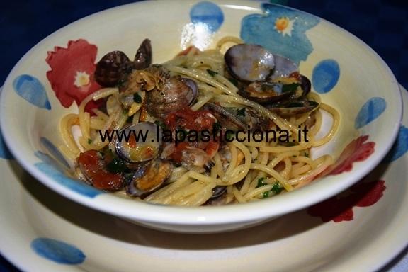 Spaghetti-con-vongole-veraci-e-pomodorini1