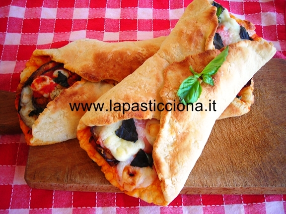 Cannolo di pizza