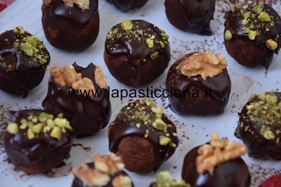 Tartufi di panettone al cioccolato