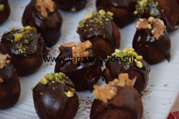 Tartufi di panettone al cioccolato 3