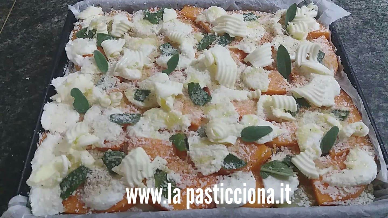 Parmigiana di zucca rossa e patate