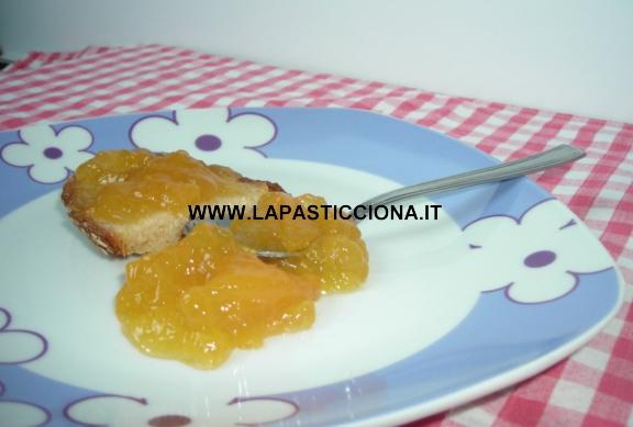 Marmellata di pesche ai pistacchi