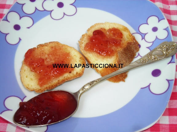 Confettura di fragoline di bosco