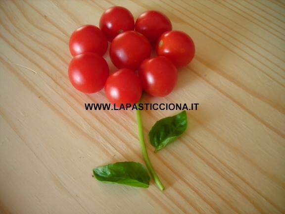 Coppe di pomodori con gamberetti
