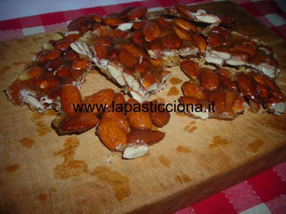Minnulata Palermitana (torrone di mandorle)
