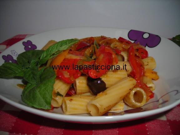 Pasta al sugo di peperoni 3