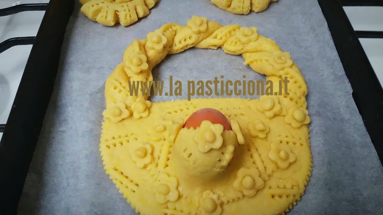 Pupi cu l'ova (Biscotti Pasquali con l'uovo)