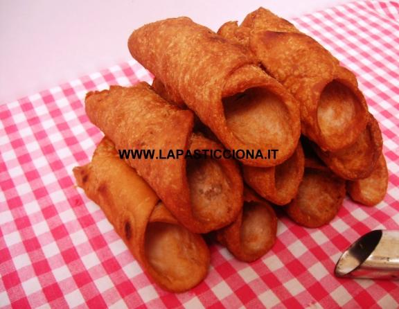 Scorze di cannoli fritte 7