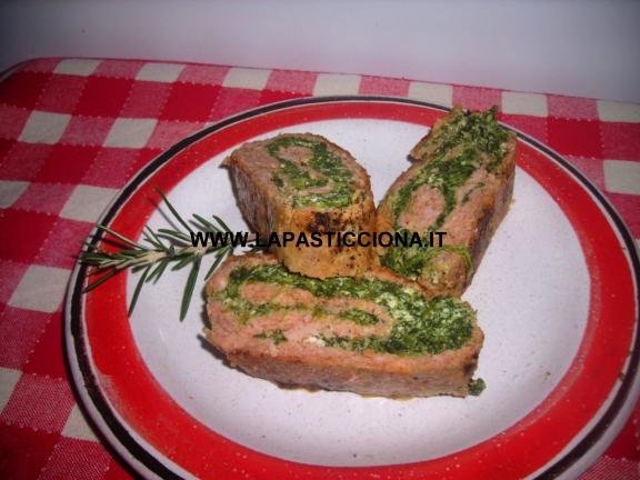 Rotolo di carne tritata con spinaci e ricotta