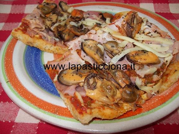 Pizza alla marinara con le cozze
