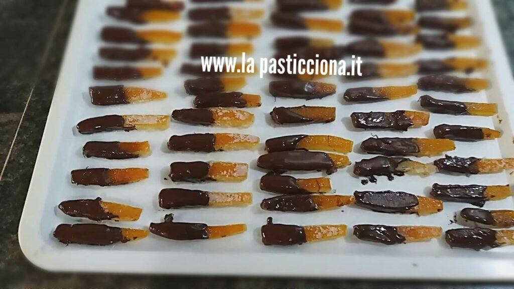 Scorze d'arance candite al cioccolato