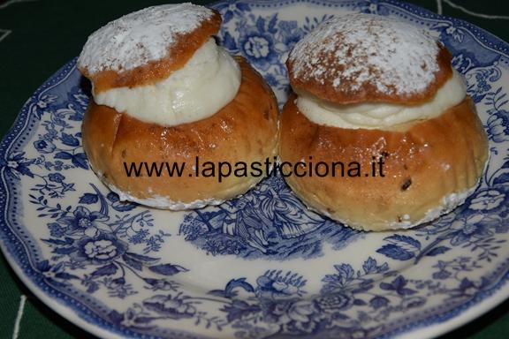 Rasco ( biscotto di San Martino ripieno di ricotta) 9
