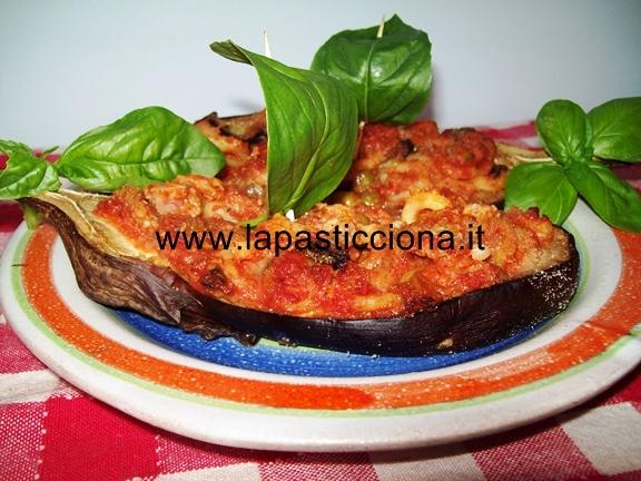 Barchette di melanzane con anelletti alla siciliana