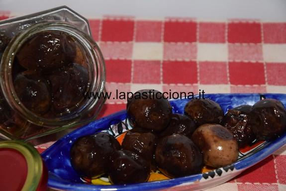 Passuluna (olive nere sotto sale)