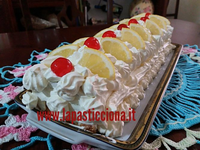 Tronchetto con panna e crema al limone