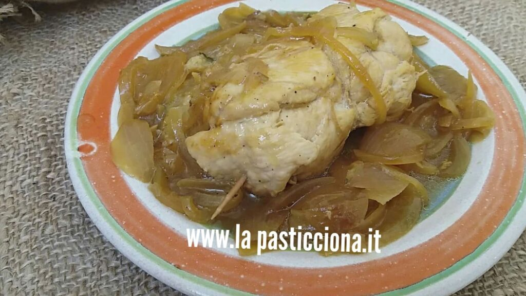 Involtini di pollo con cipolle